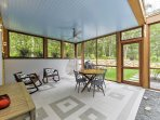Bring your dinner out to this screened porch to enjoy your meals while immersing yourself in the surrounding wilderness!