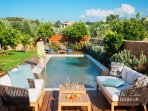 Start over your day with a dive in the pool