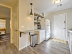 The fully equipped kitchen has everything you'll need to prepare delicious meals.