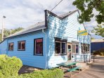 Pizza Jerk - .2 miles from Sumner Guest House
