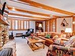 EastWestResorts_Kv121_Livingroom.jpg
