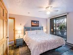 Master Suite w King Bed / Private Patio