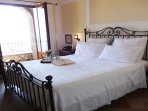 Villa amalficoast double bedroom with ocean view balcony and garden, pool, solarium and parking area