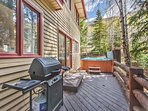 Deck off the Kitchen with Gas BBQ Grill and 6-Seat Private Hot Tub