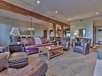 Park City Silver Star (ski in/Ski out)- Living room