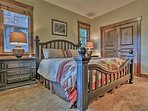 Park City Silver Star (ski in/Ski out)- Master Bedroom #2 with King bed and attached bathroom