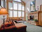 EastWestResorts_HL402_Livingroom2.jpg