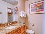 EastWestResorts_HL402_Bathroom.jpg