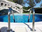 Villa sorrentobooking rentals with swimming pool, solarium, hot outside shower and car parking area