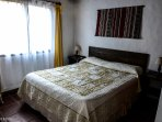 Bungalow 3 ambientes - Base 5 personas (hta 7 huespedes): Cama Sommier doble king size