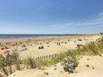 Grande plage de st Gilles croix de vie à proximité du gîte