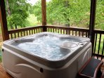 Huge Sparkling hot tub awaits you