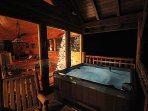 A 5 PERSON HOT TUB, UPPER DECK WITH STUNNING VIEW TO ONE SIDE, GORGEOUS CHRISTMAS TREE ON THE OTHER