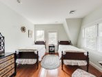 And here is the third bedroom with 2 Twin beds.