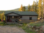 Drive up to the Front Door at the end of the Road. Seclusion at the 'Wilderness Cabin on the Canyon'