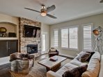 Updated 2 bedroom condo in North Scottsdale with all the amenities of an upscale hotel!
