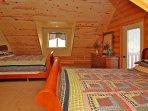 Bedroom w/ 2 queen beds