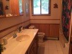 Modern 4 piece bathroom