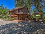 Situato su 12 acri di terreno privato, questa casa offre un sacco di tranquillità e privacy, con uno scenario...