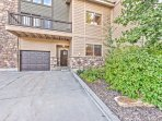 Deer Valley Aspenwood with a 1-Car Garage, Driveway Parking and a Private Deck