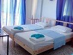 Starfish studio - 2 single beds option.