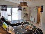 chambre enfants 2 lits 90x190 modulable avec dressing exposé sud à l'étage