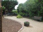 Garden/sitting area