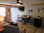 ML327 comfortably accommodates 4 to 6 guests!