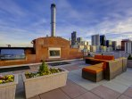 Stay Alfred Premier Lofts - Community Rooftop Deck w/Fireplace