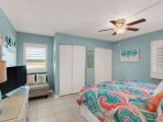 Guest King Bedroom w/t Flat Screen TV -Ceiling Fan - Bathroom with Tub Shower Combo
