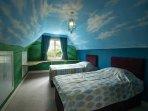 Twin bedroom ( Jack and Jill)