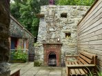 Outdoor rustic fireplace & chimney stack - Patio