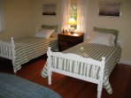 Guest/Kids room with two twin beds