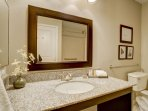 Stay Alfred on Little Raven Street Bathroom