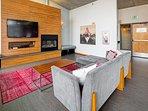 Asa Flats & Lofts by Stay Alfred Community TV Lounge
