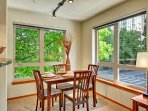 Stay Alfred Seattle Vacation Rentals Dining Area