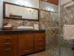 Hydrangea ( Executive Room - Bathroom)