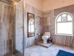Hibiscus ( Deluxe Room - Bathroom)