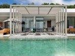 Malaiwana Penthouse - Pool view to villa