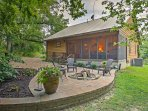 Have a peaceful retreat to Illinois when you book this gorgeous Makanda vacation rental cabin!