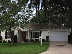 2 Bed/2 bath home in The Village of Lynnhaven minutes to Lake Sumter Landing!