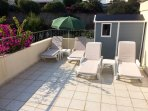 Sunbathe on the spacious roof terrace