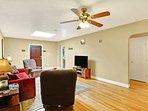 Living room w/50 inch TV
