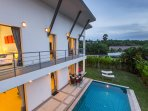 Upstairs balcony, access to the pool