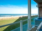 Lincoln City Lodging Hot Tub