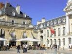 A Dijon, suivez le symbole de la Chouette pour découvrir les endroits privilègiers