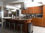 Kitchen - breakfast bar seats 4.