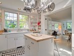 Fully equipped and completely modern, this kitchen has everything you will need to prepare a mouthwatering meal.