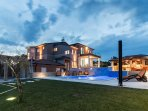 Luxury Villa Maxima with big size pool,sauna, jacuzzi, and whirpool