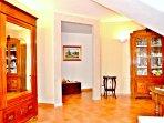 Villa a Viagrande, Catania, Sicilia - Area Soggiorno, Accesso alle Camere da Letto